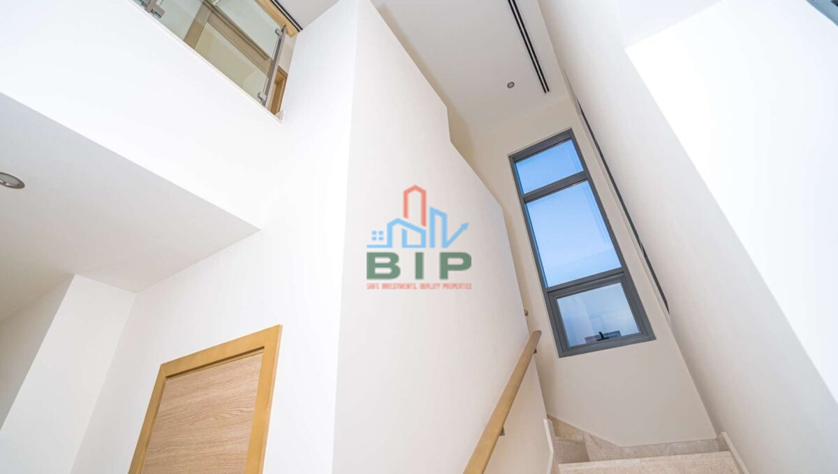 4 bed stairs sidra