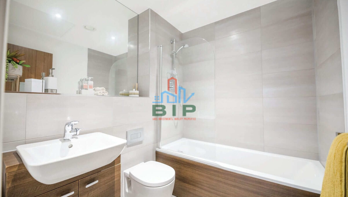 Bathroom-Broad-Street-opt1